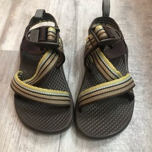 Chaco Boys Brown Sandals Size 10